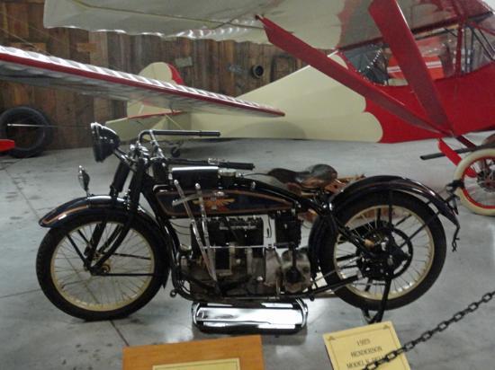 Hood River, Oregón: Old Motorcycles Too