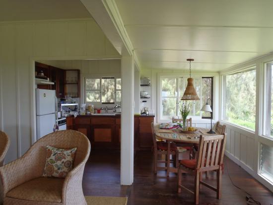 เคานากาไค, ฮาวาย: Comfy place to stay...sunrise cottage.