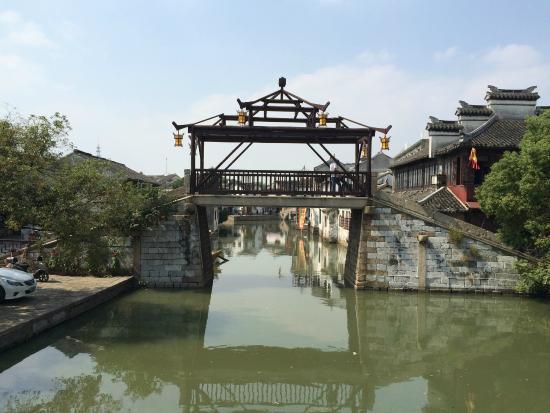 Tongli Chongben Hall