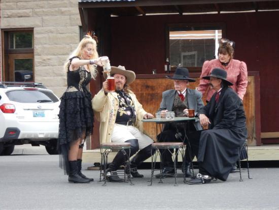 Cody Gunfighters: Bar scene