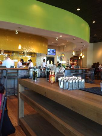 California Pizza Kitchen, Schaumburg - Menu, Prices & Restaurant ...