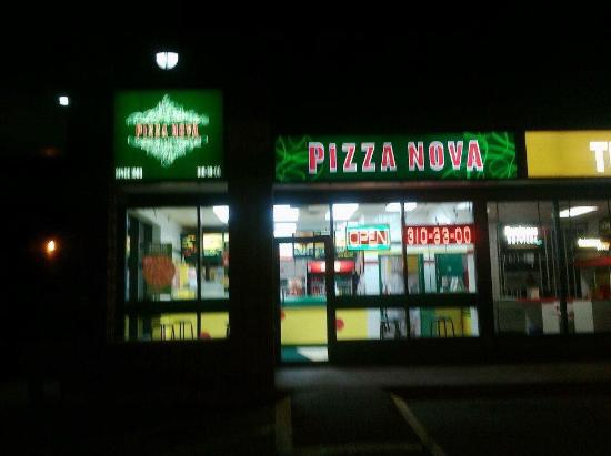 pizza nova oshawa 8 1288 ritson rd n restaurant. Black Bedroom Furniture Sets. Home Design Ideas