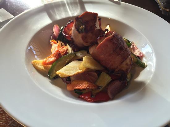 The Cornerstone Bar & Restaurant: Chicken Florentine is amazing