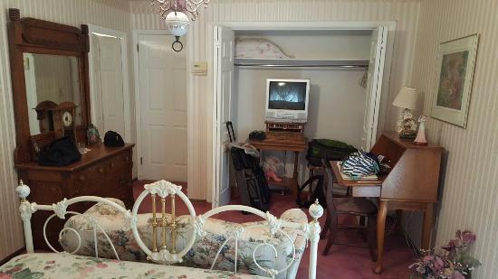 Yardley Inn and Spa: We had the Victorian Room.