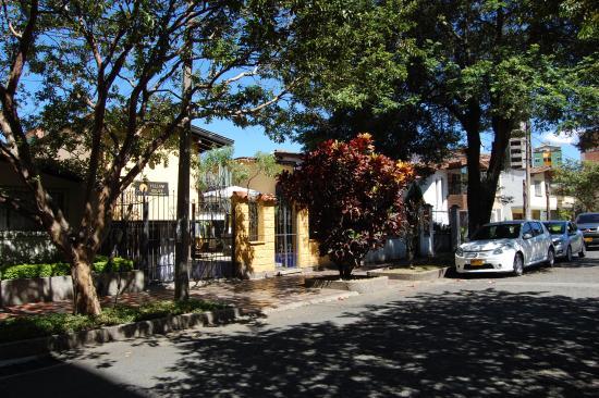 Yellow House Hostel: Yellow House hostel