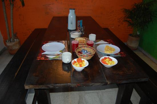 Yellow House Hostel: Un rico desayuno