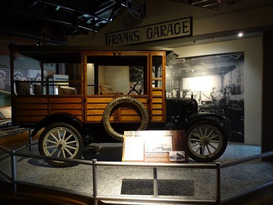 Naples Depot Museum : erste Autos