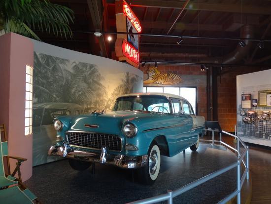 Naples Depot Museum: Weiterentwicklung der Autos