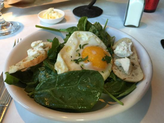 Rustique Bistro: Spinach , eggs and shallot vin salad ������������ followed by the Grilled Salmon was fantastic