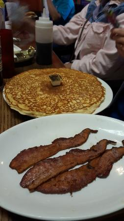 Dorothy's at Southpark Bowl and Grill: Giant Pancake
