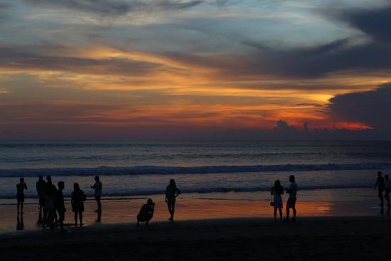 bersantai sunset