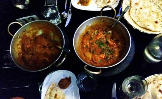The Spice Avenue Balti Restaurant : Balti lamb Ceyon, balti chicken zalfrezi and naan breads - Spice Avenue