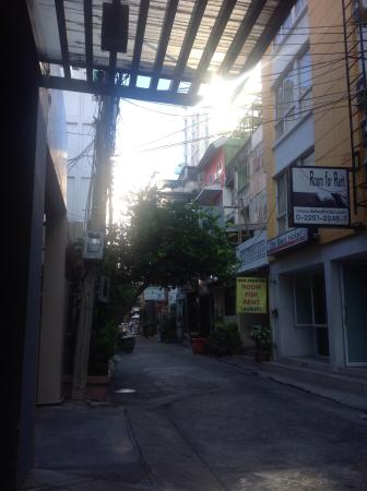 CheQinn - Bangkok Chic Hostel: Wee Hours