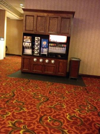 Ameristar Casino St. Charles: Free soda and coffee on second floor