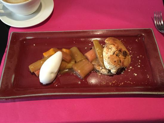 Bistrot Gourmand Clovis : Десерт с вареньем из ревеня