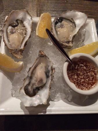 Bar-Roque Grill: Loch Finn Oysters