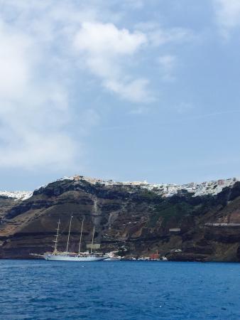 Anchors Away Yachting: S/C TONINA sailing around Santorini