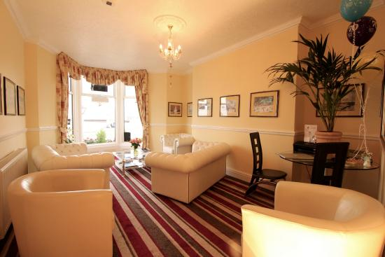 Bay View Hotel Weymouth : sea view lounge