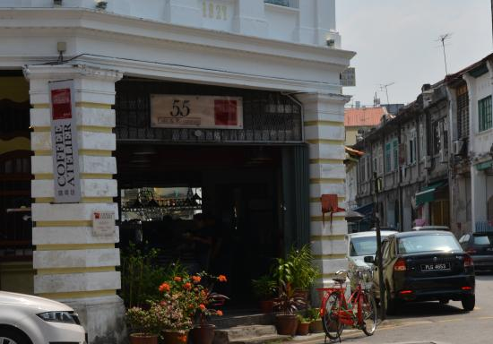 55 Cafe and Restaurant: Внешний вид кафе