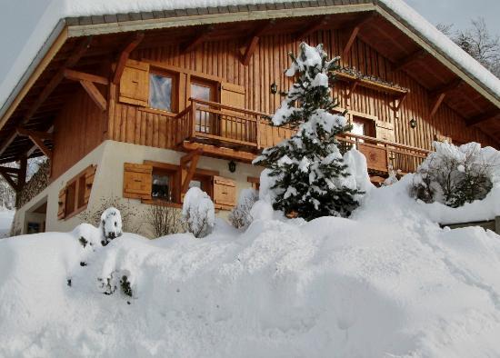 Au Balcon de Verchaix: Chalet l'hiver