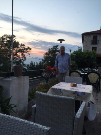 Aspremont, Prancis: Dinner on the deck