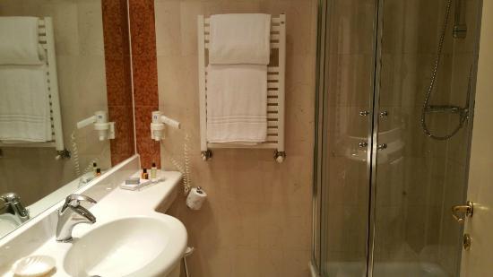The Regency Hotel: il bagno