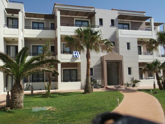 MIKES APARTMENTS - Hotel Reviews (Maleme, Greece ...