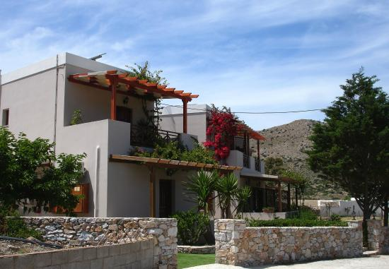 Ventoura Studios & Apartments : View of the Front