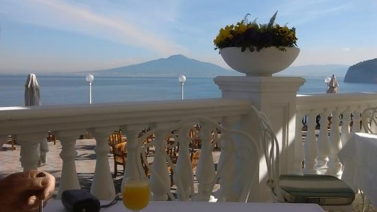 Europa Palace Grand Hotel: View from veranda at breakfast