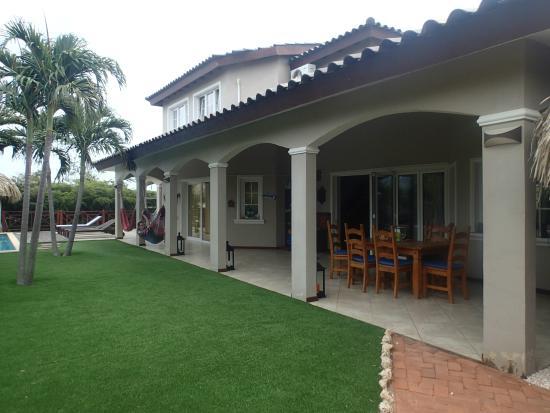 Hibiscus Beach House: tuin kamers