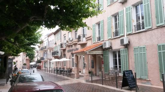 Hotel Les Palmiers Вид с улицы