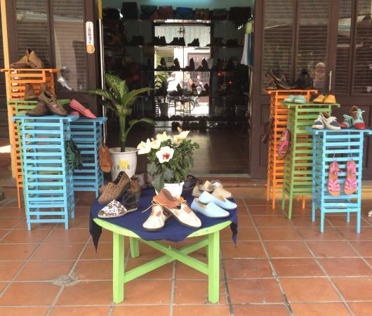 Bi79 shoe shop