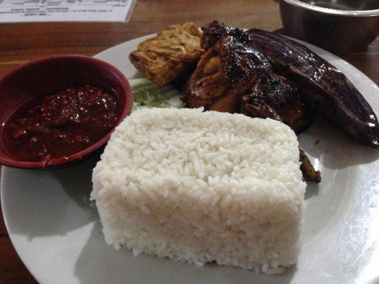 Foto De Mr Cafe Waingapu Contoh Penyajian Makanan Tripadvisor