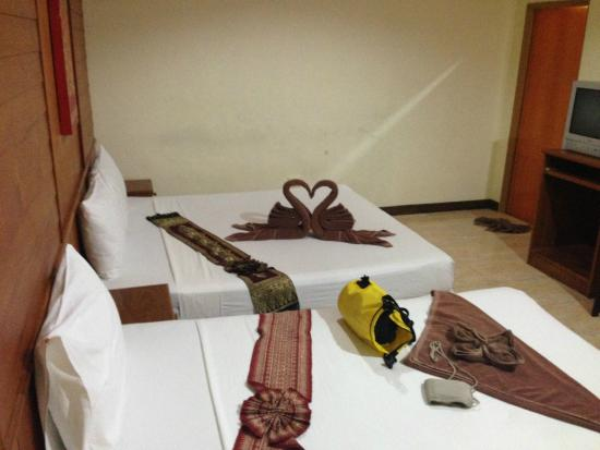 Sabaidee Patong Guesthouse : twin bed