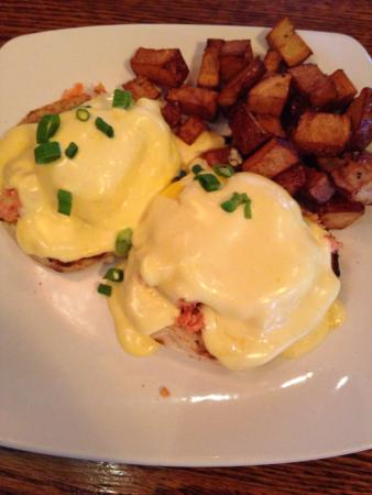 Downwind Cafe: Delicious Lobster Eggs Benedict!