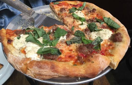 Patxi's Chicago Pizza: Typical thin crust -- exceptional thin crust