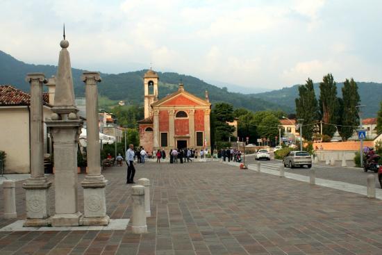 Vittorio Veneto, Italy: Foro Boario - Chiesa S.Giuseppe/Sacrario d Bandiere 2giugno2015.