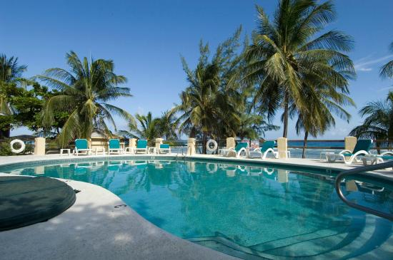 Pirates Point Resort : Our Oceanview Pool