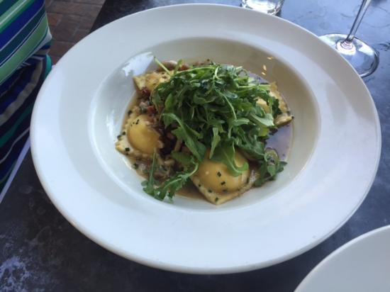 Stonehorse Cafe: Ravioli with mushrooms and panchetta and arugula