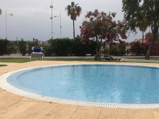 Piscina de chorros picture of hotel puertobahia spa for Chorros para piscinas