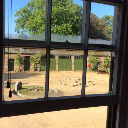 Samares Manor Apartments: View from the lounge overlooking the courtyard.