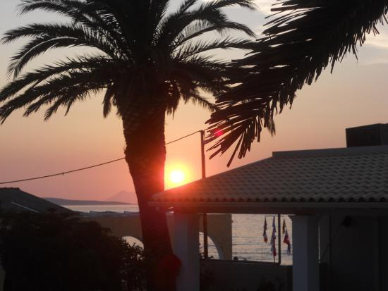 Nafsika Taverna: Sunset from the resteraunt