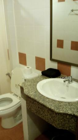 Baan Khachathong: Ванная комната