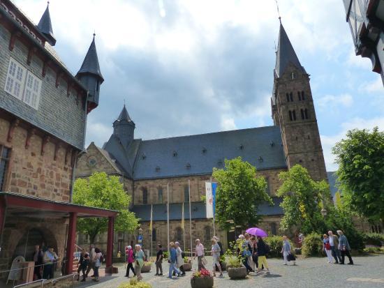 Fritzlar, Germany: Der Dom von Norden.