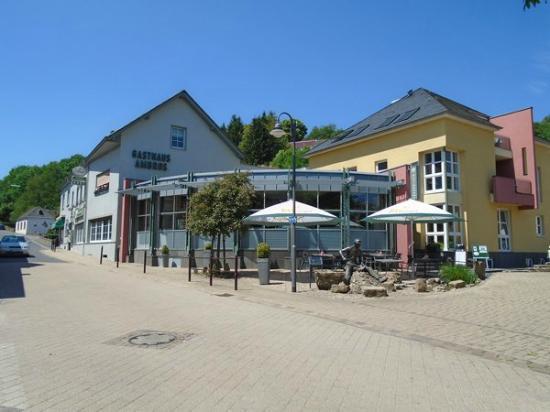 Bettingen, Deutschland: Voorzijde restaurant