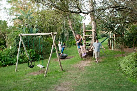 Avoca River Cabins: Kids playing