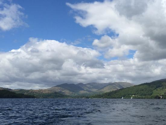 Bowness-on-Windermere, UK: Bowness Bay Marina - Electric boat hire