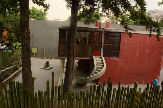 Museo Estudio Diego Rivera y Frida Kahlo: From outside the fence