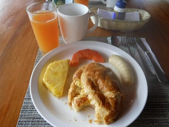 Hotel Flores : breakfast crescent