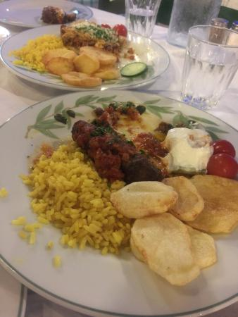 Lysseos Taverna: Back again after long time,nothing changed fresh home made cooking  Mouth watering meatballs and